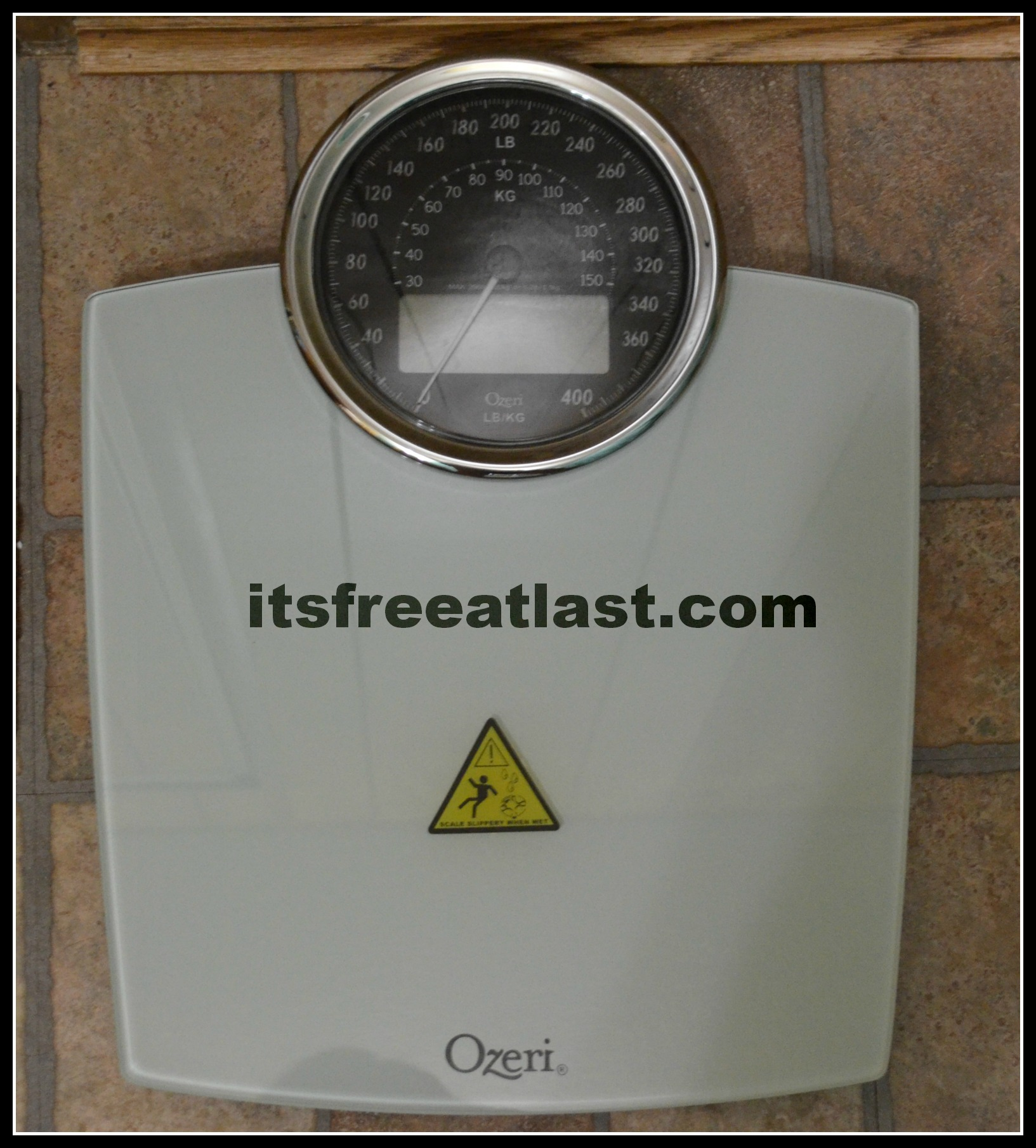 Batteries for bathroom scales - Operating On 3 Small Batteries You Will Never Be Overjoyed With The Performance Of This Scale