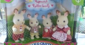 Calico Critters Secret Island Playhouse & Hopscotch Rabbit Family Review