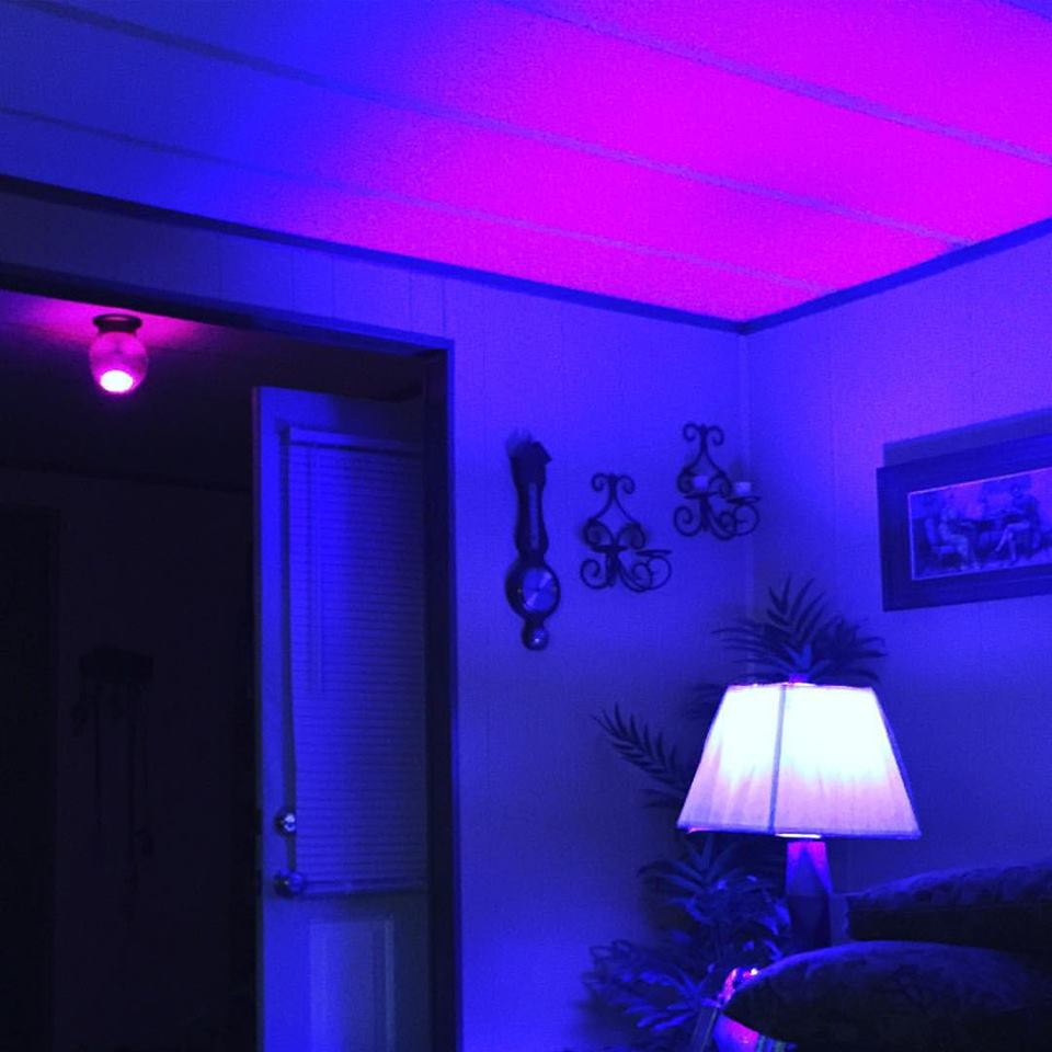 how to connect hue go lights