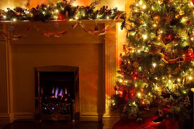 christmas-tree-83121_640