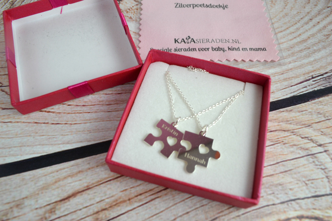 Mother and Daughter Puzzle Piece Necklaces -01