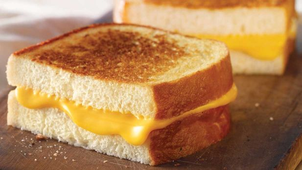 classic-grilled-cheese-sandwich-whole.desktop