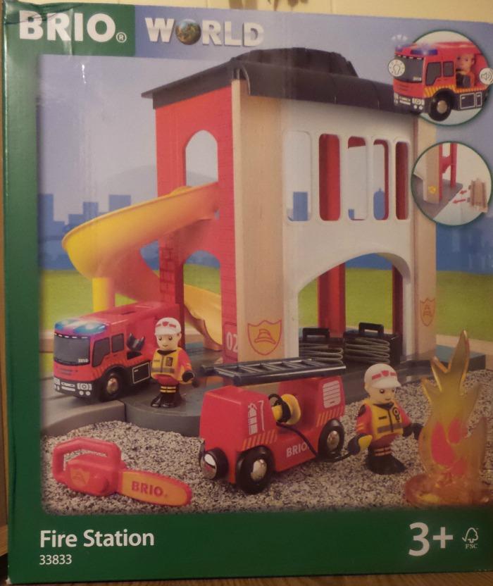 brio-world-fire-station