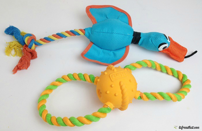 Tuff Stuff® Nose Divers® and Dura Play® Tug of Fun® Double Ring™