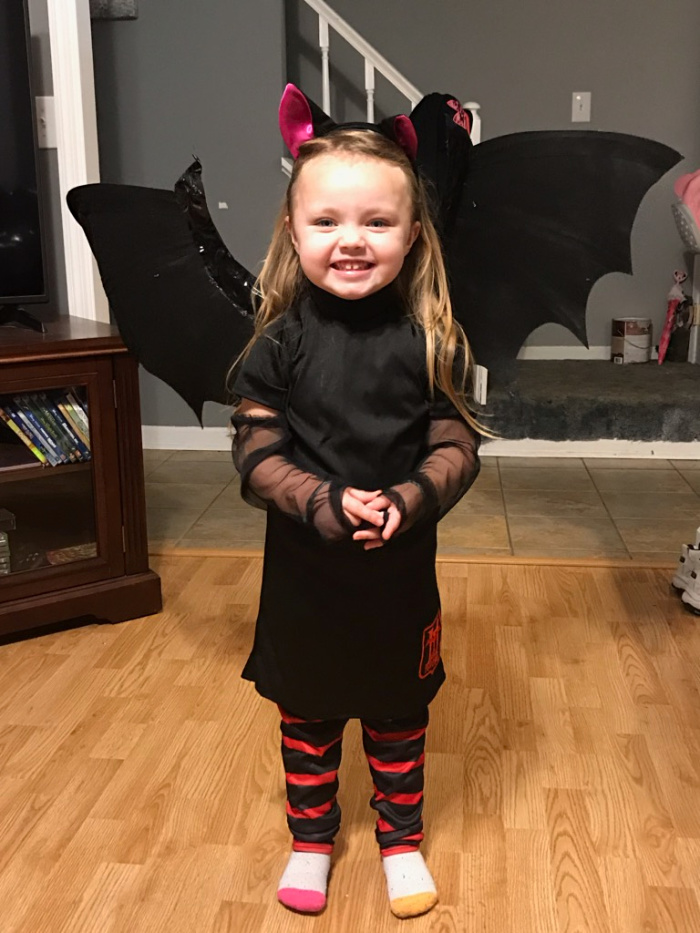 Mavis Halloween Costume Toddler.Celebrate Drac And The Pack With Hotel Transylvania 3 On Dvd